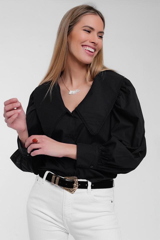 Zwart shirt met extra grote kraag