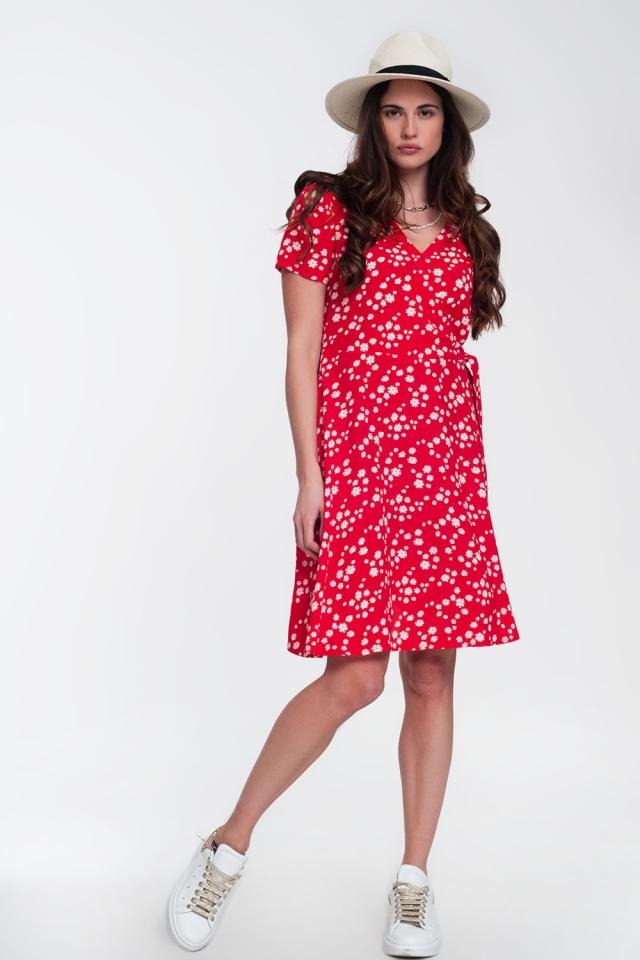 Mini-jurk met overslag en madeliefjesprint