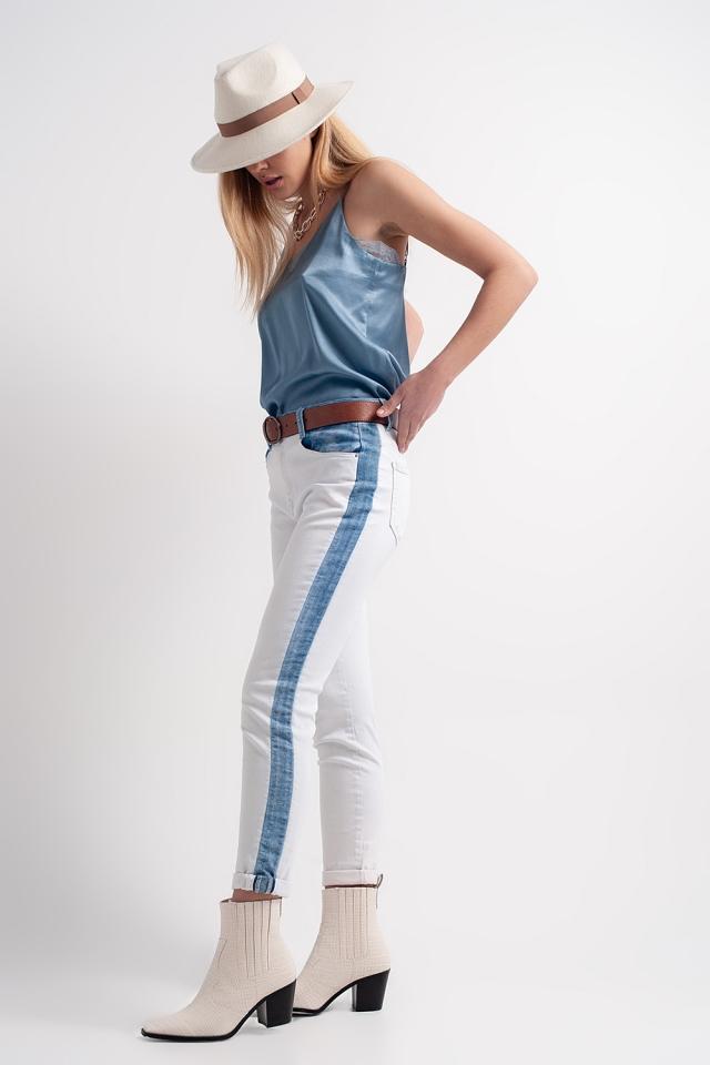Jeans met rechte pijpen, contrasterende vlakken en lichte wassing