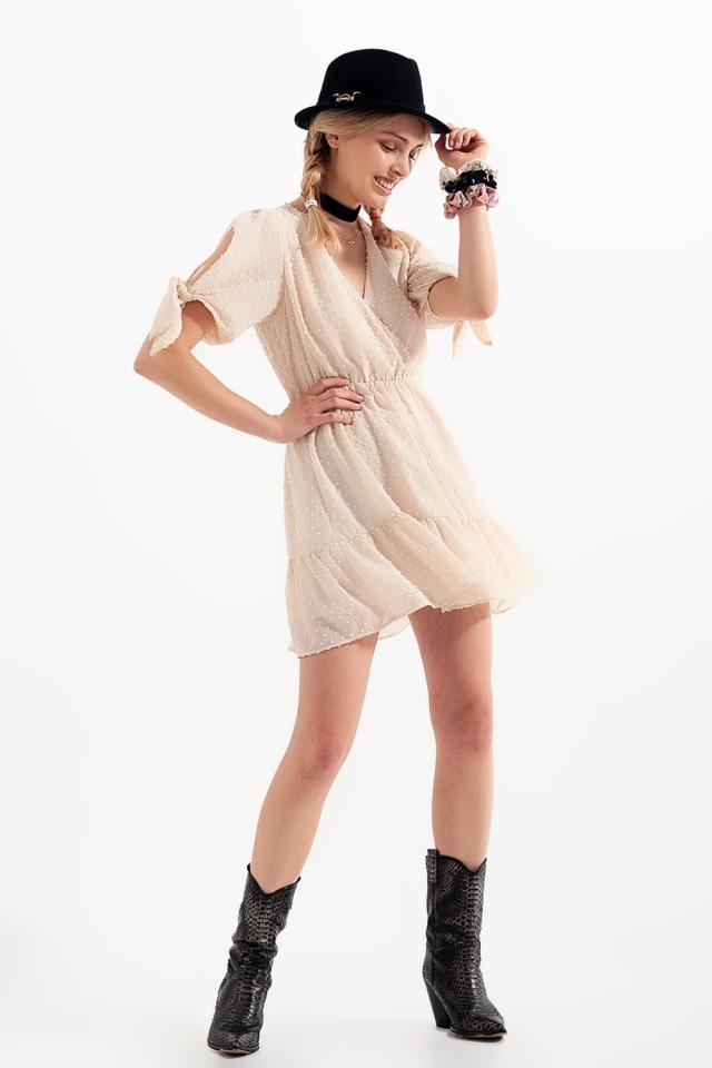 Mini-jurkje met bindceintuur in beige