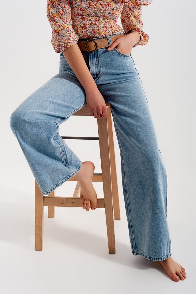 Jeans met wijde pijpen en hoge taille in lichtblauw