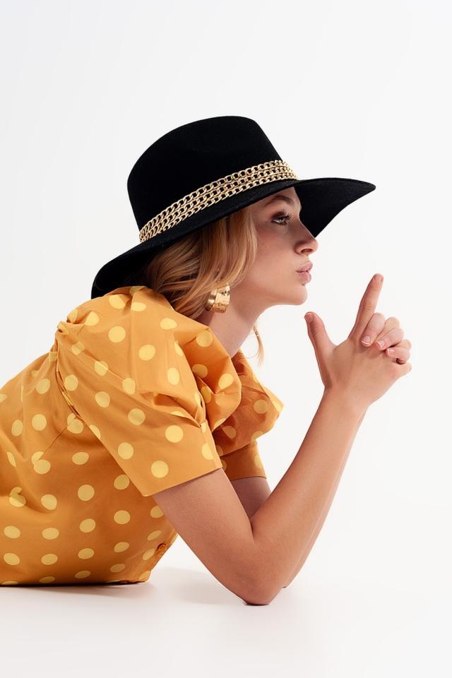 Polka dot top met pofmouwen en vierkante hals geel