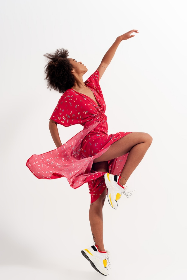 Midi-jurk met zijsplit in rode bloemenprint